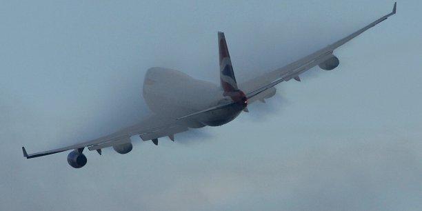 Une étude de la chaire Pégase analyse la perception de l'impact environnemental du trafic aérien chez les Français.