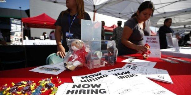 Selon un rapport mensuel publié vendredi par le département du Travail, l'emploi américain a retrouvé des couleurs éclatantes en octobre avec un bond des créations de postes et un recul du taux de chômage.