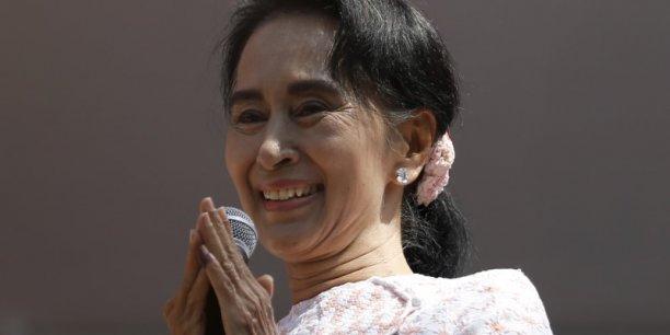 Dès mercredi, le président birman, Thein Sein, et le chef des forces armées, Min Aung Hlaing, avaient reconnu la victoire d'Aung San Suu Kyi.