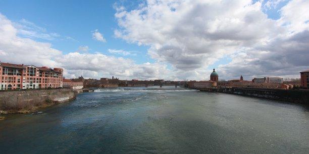 Le système d'endiguement de la Garonne à Toulouse date pour sa plus ancienne partie du 16ème siècle.