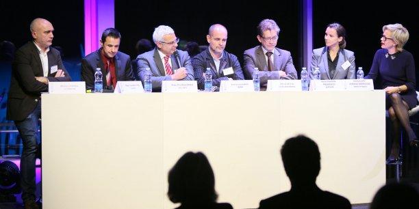 En 2014, la table ronde des Trophées de l'Aéronautique avait pour thème Croissance de l'aéronautique : quelles opportunités pour les PME et ETI françaises ?