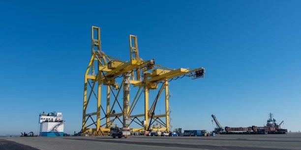 Les portiques inertes du terminal du Verdon, qui ne transbordent aucun conteneur, illustrent la crise du port de Bordeaux.
