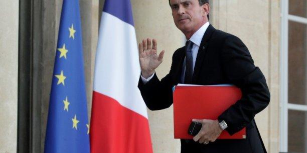 C'est moi le chef du gouvernement , a déclaré le Premier ministre, indiquant ainsi que c'était lui qui tranchait sur le dossier RSI. Et pas Emmanuel Macron.