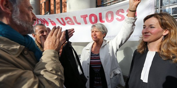 Jutta Dumas à la sortie du tribunal ce jeudi matin.