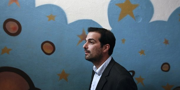 Gabriel Sakellaridis, ancien porte-parole du gouvernement Tsipras I, a démissionné de son poste de député.