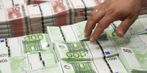 Les places financières de Paris et de Milan militent pour un rapatriement au sein de l'UE de la compensation des transactions en euros, qui se fait à l'heure actuelle essentiellement au Royaume-Uni.