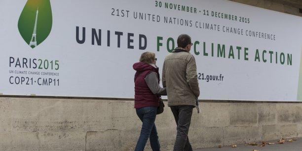 Sur le plan politique, les États-Unis et la Chine, les deux grandes puissances nonsignataires du protocole de Kyoto en 1997 mises en cause dans l'échec de la dernière grande conférence à Copenhague en 2009 et qui pèsent à elles deux près de 50 % des émissions mondiales, ont opéré un changement de pied remarquable.