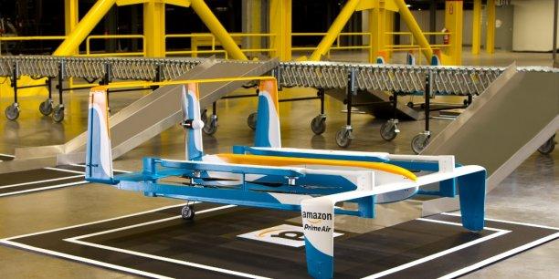 Ce nouveau prototype pouvant transporter des colis de moins de 25 kilos volerait à une altitude de 400 pieds (123 mètres de haut environ).