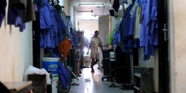 Début décembre, Amnesty International avait affirmé que l'absence de véritables réformes déshonorait le Qatar, estimant que trop peu avait été fait pour lutter contre les abus généralisés liés aux travailleurs migrants.
