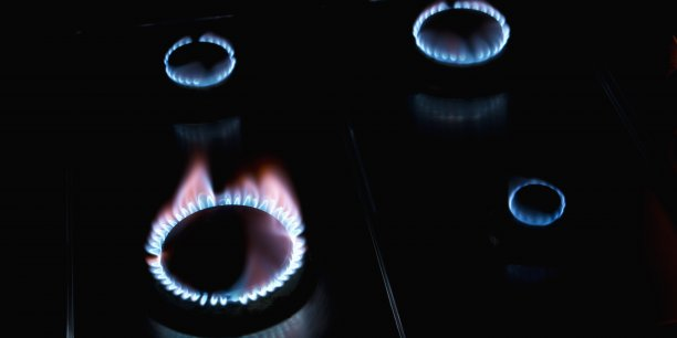 Depuis l'ouverture du marché de l'énergie à la concurrence, les 10,6 millions de consommateurs français abonnés au gaz ont le choix entre les tarifs réglementés et les prix de marché