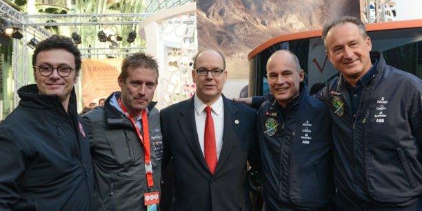 Gildo Pallanca Pastor, Raphaël Domjan, le Prince Albert II de Monaco, Bertrand Piccard et André Borschberg (les deux pilotes de Solar Impulse).