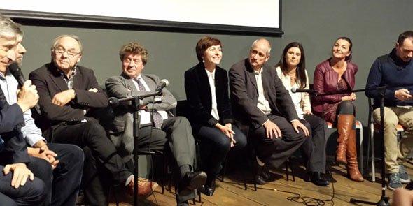 Carole Delga et Gérard Onesta, encadrés de leurs soutiens politiques et issus de la société civile