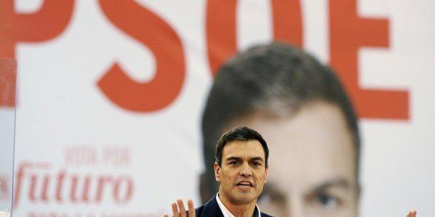 Pedro Sánchez, candidat du PSOE à la présidence du gouvernement espagnol, est en pleine tourmente.
