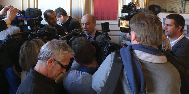 Alain Juppé dira après les européennes s'il se présente aux municipales à Bordeaux.
