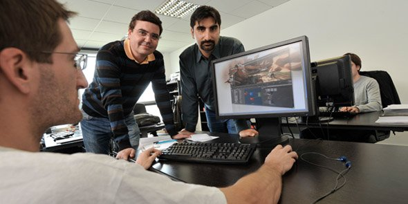 Sébastien Guichou et Sam Assadian, co-fondateurs d'Isotropix