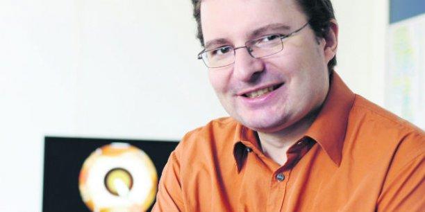 En 2013, quand Jérémie Allard et ses anciens collègues, chercheurs en simulation médicale, ont créé leur entreprise, Insimo, ils ne se doutaient pas de l'intérêt de la fondation de Bill Gates pour les techniques innovantes de formation des chirurgiens dans l'opération de la cataracte.