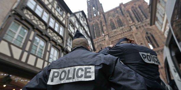 Une centaine d'organisations ont réclamé la semaine dernière la levée de l'état d'urgence instauré après les attentats du 13 novembre.