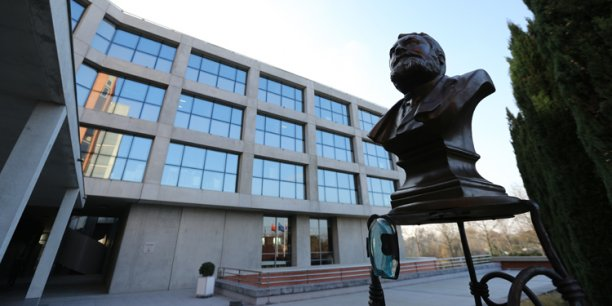 Le buste de Jean Jaurès trône depuis quelques jours dans les jardins de l'Hôtel de Région