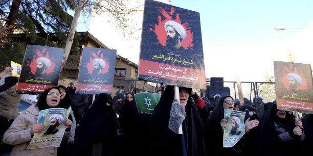 Le ministère iranien des Affaires étrangères a publié un communiqué appelant au calme et demandant aux manifestants de respecter les lieux diplomatiques.
