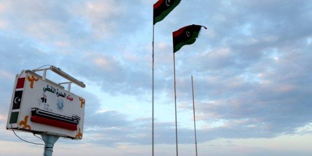 Presque cinq ans après le début du conflit en Libye, la production pétrolière du pays ne représente plus qu'un quart de son niveau de 2011 où elle avoisinait 1,6 million de barils par jour.