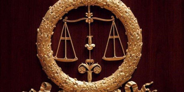 Une plainte a été déposée auprès du procureur de la République de Paris.