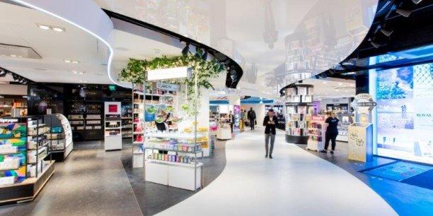 L'Aéroport Nice Côte d'Azur, qui vient d'atteindre une fréquentation de 12 millions de passagers, peaufine ses offres au sein du Terminal 1 comme du Terminal 2