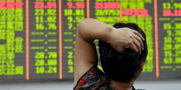 Les bourses chinoises sont restées ouvertes moins de quinze minutes ce jeudi après avoir accusé des baisses de plus de 7%.