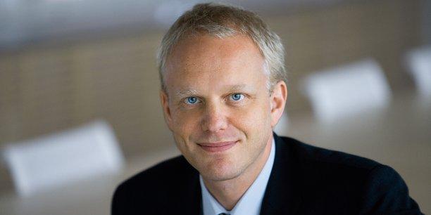 Les médias suédois estimaient qu'en cas d'échec de la fusion avec la branche gros électroménager de l'américain General Electric en décembre, le groupe opterait pour un dirigeant suédois.