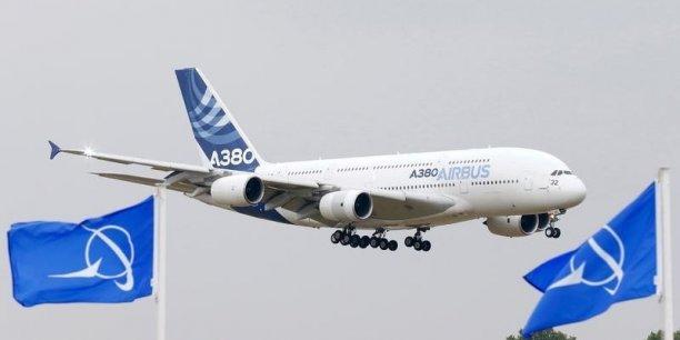 Avec un nouveau record de 635 livraisons d'appareils à 85 clients, Airbus a dépassé ses objectifs et augmenté le nombre de ses livraisons pour la 13e année consécutive, dépassant le record de 629 livraisons en 2014, selon l'avionneur.