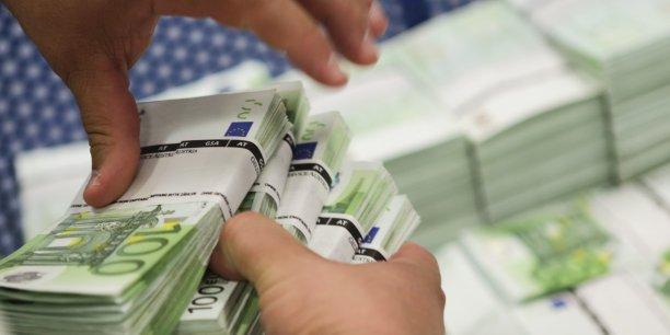 Par ordre de représentation, les billets de 20 euros (17,5%) et ceux de 10 et 100 euros (environ 11,7% chacun) complètent le podium, puis viennent ceux de 5 euros (9%), 500 euros (2,8%) et enfin 200 euros (1,17%).
