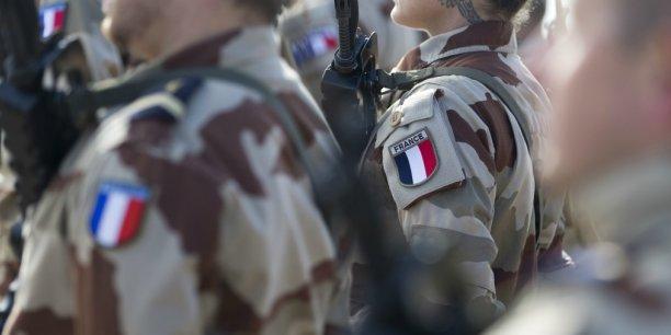 Parmi les 40.000 réservistes que François Hollande souhaite voir mobilisés pour la protection des personnes sur le territoire, 1.000 devraient l'être en permanence.