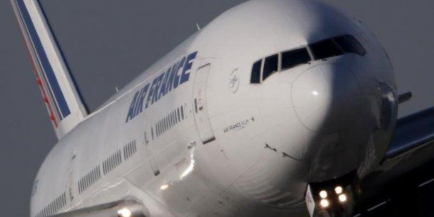 Comme le rappelle un syndicaliste, l'amélioration des comptes d'Air France et d'Air France-KLM ne signifie pas en effet que l'écart de compétitivité avec ses concurrents se réduit.