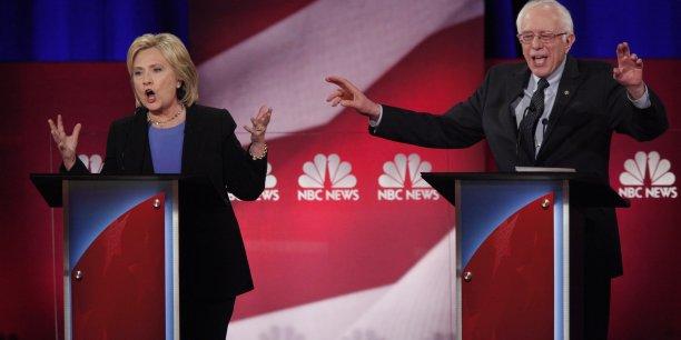 Bien que vainqueur lors des primaires démocrates en Alaska, dans l'Etat de Washington et à Hawaï samedi, Bernie Sanders reste cependant toujours largement distancé par sa rivale Hillary Clinton dans la course à l'investiture à la Maison Blanche.