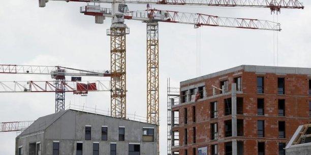 les logements sociaux destinés aux catégories modestes sont les plus chers à produire car les plus subventionnés.