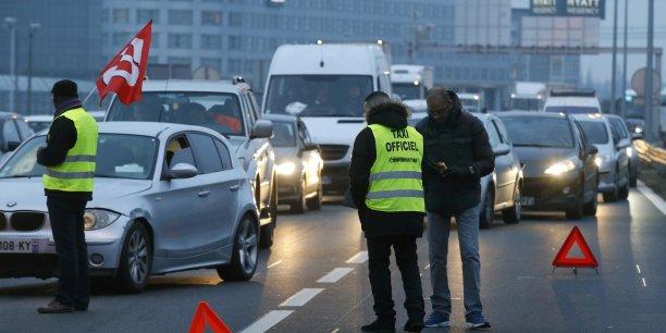 Le SETP appelle les chauffeurs de VTC et Loti à se rassembler lundi dès 4H00 du matin à l'aéroport de Roissy Charles-de-Gaulle, avant de partir en cortège vers Paris via l'autoroute A1 puis le périphérique.