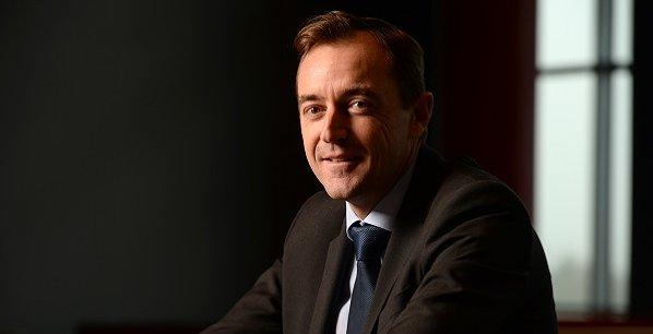 Le PDG d'Adecco France multiplie les pistes de réflexion pour s'adapter aux évolutions du marché du travail. Par exemple, Adecco collabore avec une startup pour améliorer ses critères d'évaluations grâce au big data.