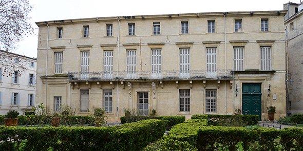L'ancien hôtel de ville Richer-de-Belleval, place de La Canourgue.