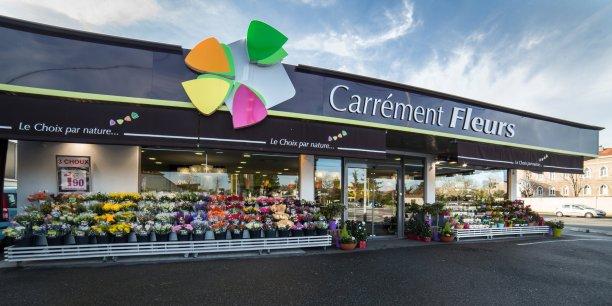 En ouvrant six magasins en 2016, l'enseigne Carrément Fleurs atteindra son objectif stratégique minimal de 30 points de vente quatre ans seulement après son lancement depuis Agen en Lot-et-Garonne