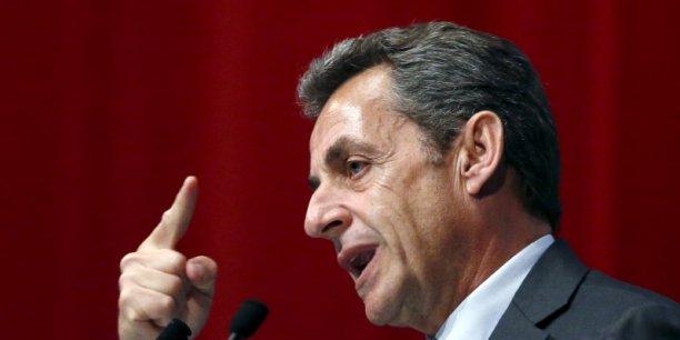 Nicolas Sarkozy veut en finir avec les 35 heures et l'ISF, relancer les privatisations et réaliser 100 milliards d'économies.
