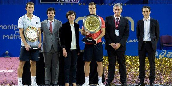 De gauche à droite :  Paul-Henri Mathieu, Sébastien Grosjean, la présidente de région LRMP Carole Delga, Richard Gasquet (Vainqueur de l'Open Sud de France 2016), le maire de Montpellier Philippe Saurel et Samir Boudjemaa.