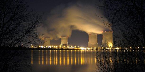 Quand la Cour des comptes préconise de 17 à 20 fermetures de centrales sur le territoire français, le nouveau PDG d'EDF, lui, n'en prévoit pas plus de deux. (Photo: la centrale de Cattenom, près de Thionville)