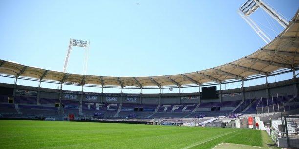 Dans le cadre des travaux de rénovation prévus au Stadium, la Métropole veut acquérir du matériel de luminothérapie pour renforcer la pelouse.