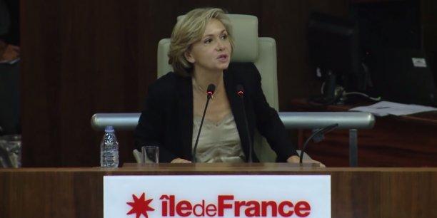 En outre, Valérie Pécresse prévoit un déménagement du siège de la région, du centre de Paris vers la banlieue.