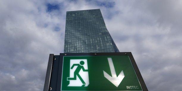 5.500 milliards d'euros, c'est l'estimation du montant mondial des titres d'État à rémunération négative.