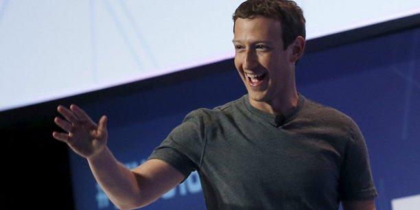 Facebook avait commencé l'année dernière à proposer aux entreprises d'intégrer leurs services à Messenger.