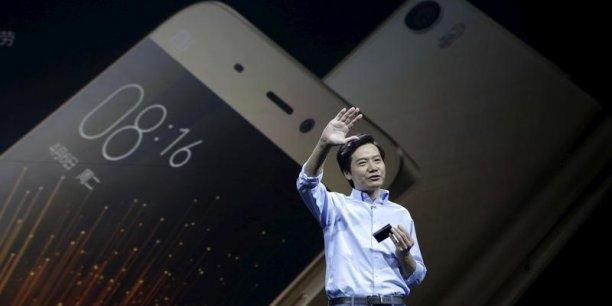 Créé en 2010 et toujours dirigé par son fondateur Lei Jun, Xiaomi devrait récolter, d'après les analystes, environ 10 milliards de dollars en ventes d'actions lors de son introduction à la Bourse de Hong-Kong.