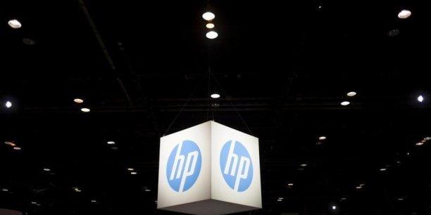 La transaction, dont le bouclage est prévu d'ici fin mars 2017, devrait créer un nouveau poids lourd des services informatiques pour les entreprises, avec environ 26 milliards de dollars de chiffre d'affaires annuel.