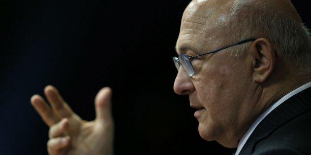 Le ministre des Finances, Michel Sapin, défend le projet de retenue à la source de l'impôt, sans insister sur les économies qu'elle permet
