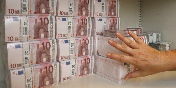 Afin d'éviter une reproduction de la grande crise de solvabilité de 2008, la réglementation dite de Bâle III impose aux banques de détenir davantage de fonds propres qu'avant, en face de leurs engagements jugés particulièrement risqués.
