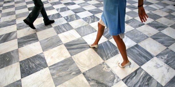 Selon le Lobby européen des femmes, la disparité des revenus a des conséquences extrêmement lourdes sur l'indépendance financière des femmes.